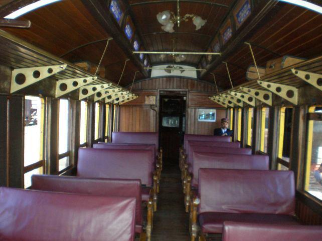 Por dentro do trem